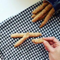 Πολύσπορα κριτσίνια με αλεύρι ζέας και βρώμη